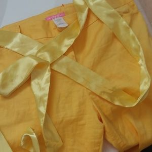 Yellow knee length shorts with satin tie